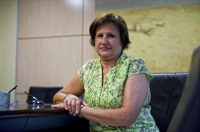 Indemnitzen una dona per posar malament una pròtesi a les vèrtebres